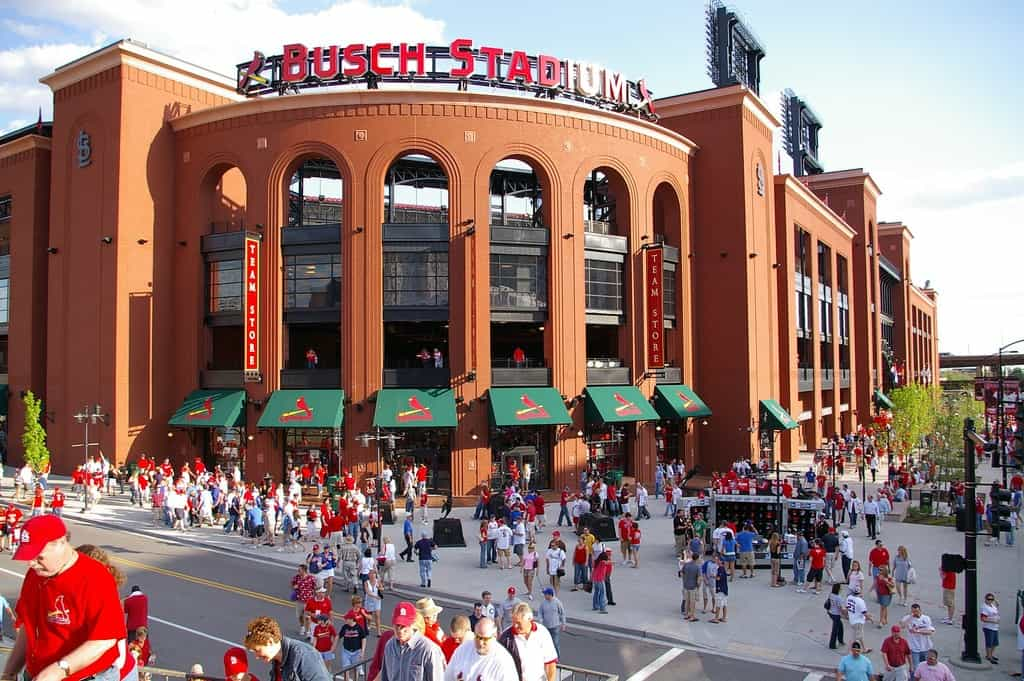 Busch Stadium Guide – Where to Park, Eat, and Get Cheap Tickets